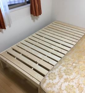ベッド (1)